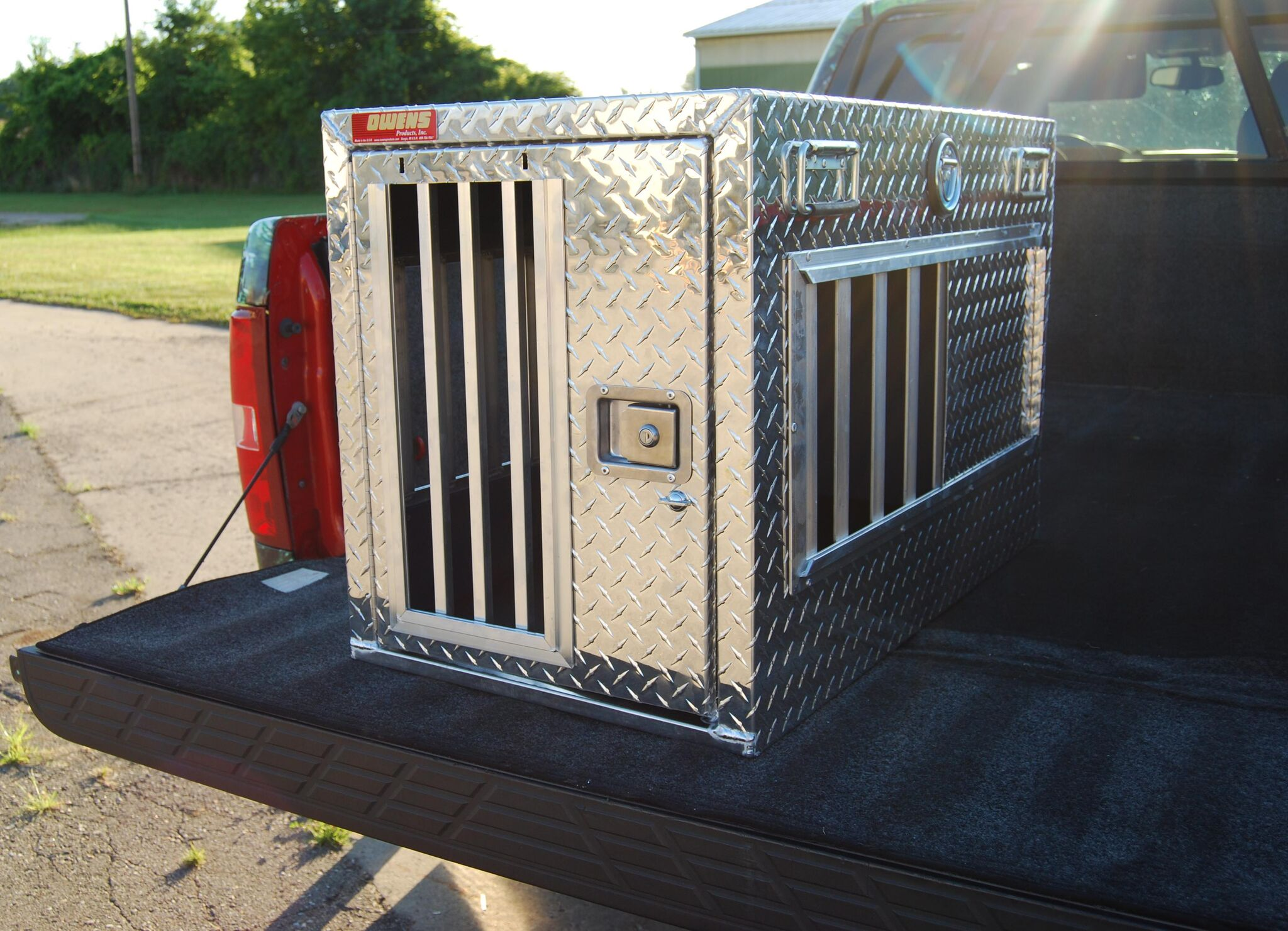 Hunter Series Single-Compartment Dog Box without Top Storage